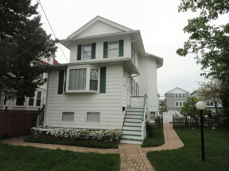 325 Ocean Ave. 2nd Flr. 131381 - Image 1 - Ocean City - rentals