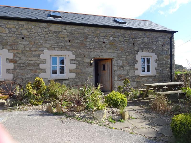 Hendra Wheal Barn - Image 1 - Praa Sands - rentals