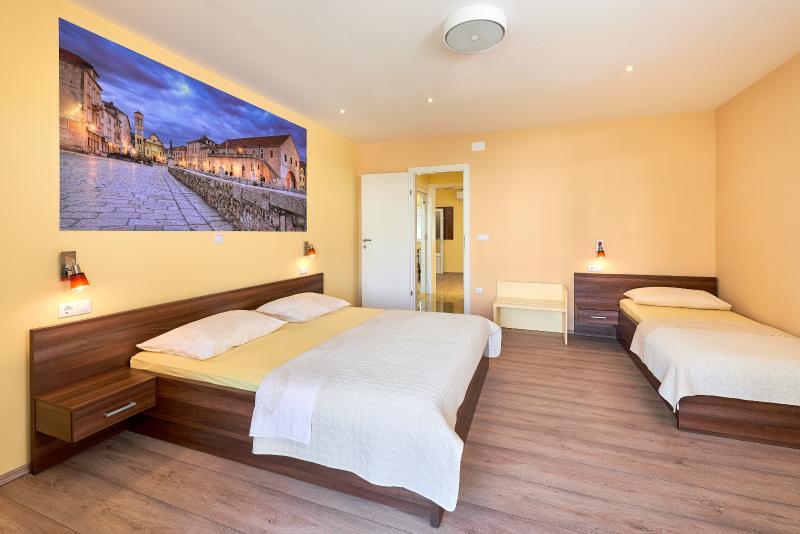 New luxury apartment - SUNCE - Image 1 - Hvar - rentals