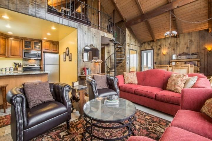 As you enter the home, you will notice history blended with modernity. The living room is in the center of the home and has kept the Old Town charm. - Empire Avenue Ski Chalet - Park City - rentals