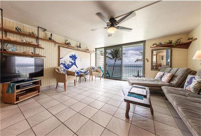 Penthouse living room with spectacular ocean view. - Hawaii Beachfront Penthouse on Oahu's North Shore - Punaluu - rentals