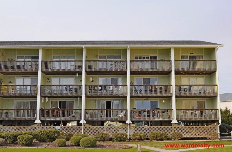 Diversify Exterior - Beautifully Renovated 2 BR Surf Condo with Great Views of the Ocean and Pool - Diversify - Surf City - rentals