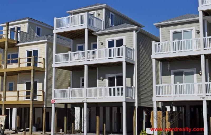 Summertime's Callin' Exterior - Summertime's Callin' - Surf City - rentals