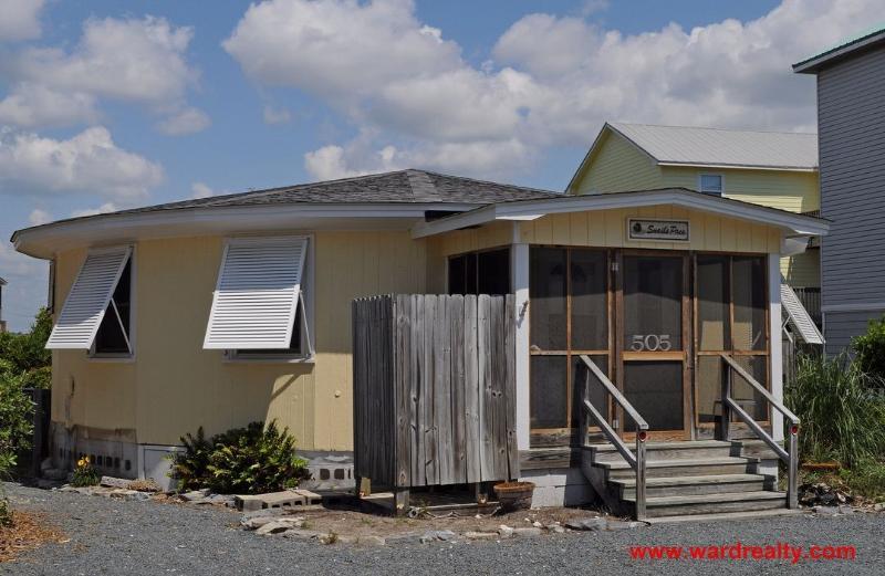 Snail's Pace Exterior - Snail's Pace - Surf City - rentals