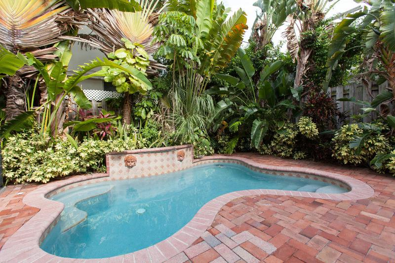 The Pool - Luxury Family Town-Home,walk distance to the beach - Lauderdale by the Sea - rentals