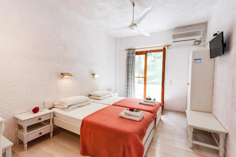 The Second Twin Bedroom - GREEN CORNER VILLAS Studios & Apartments - Gouvia - rentals