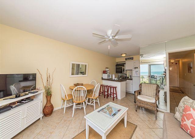 Breakers 326 - Breakers 326, Ocean View, 1 Bedroom, Large Oceanfront Pool, Sleeps 6 - Hilton Head - rentals