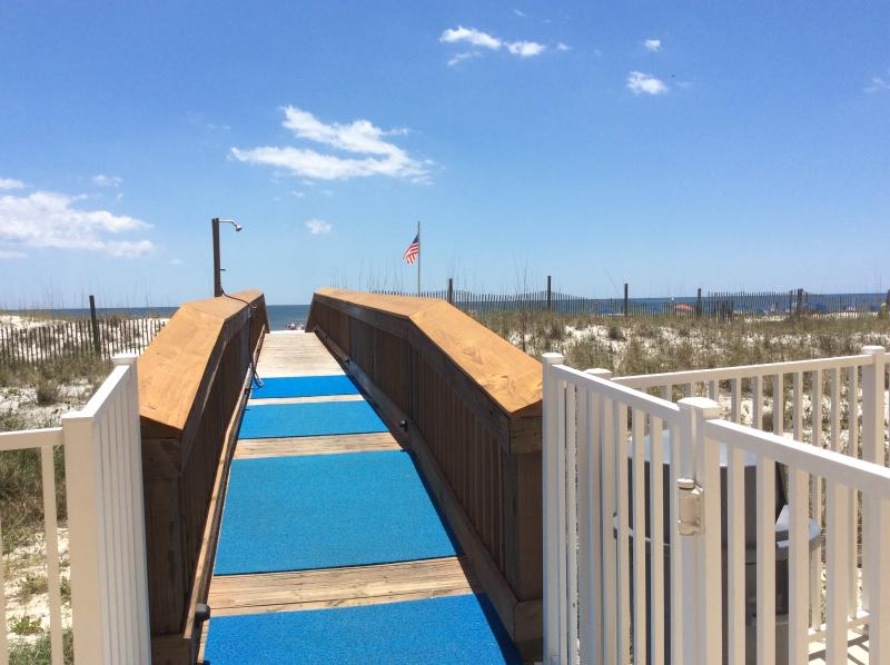 Short walk to the beach! - Paradise at Harbour Place! - Orange Beach - rentals