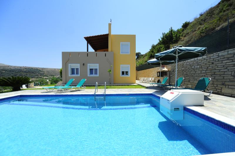 Villa Morfeas is recently constructed! - Agios Antonios Villas - Rethymnon - rentals
