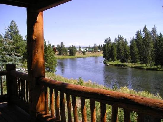 River's Edge Cabin-The perfect location for your reunion with family, friends or a corporate retreat - River's Edge Cabin near Yellowstone National Park - Island Park - rentals