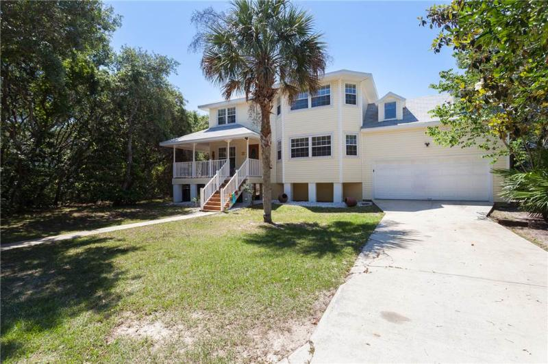 Beach Bungalow, 4 Bedrooms, Steps to the Beach, Sleeps 8 - Image 1 - Palm Coast - rentals