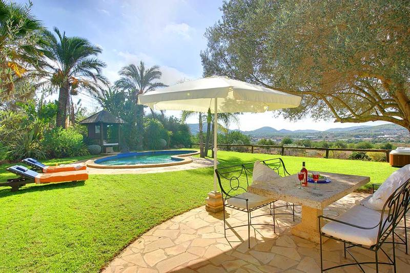 Villa Calvin - Image 1 - Santa Eulalia del Rio - rentals