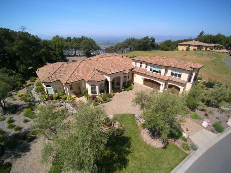 Golfers Paradise & Luxurious Villa - Image 1 - Santa Rosa - rentals