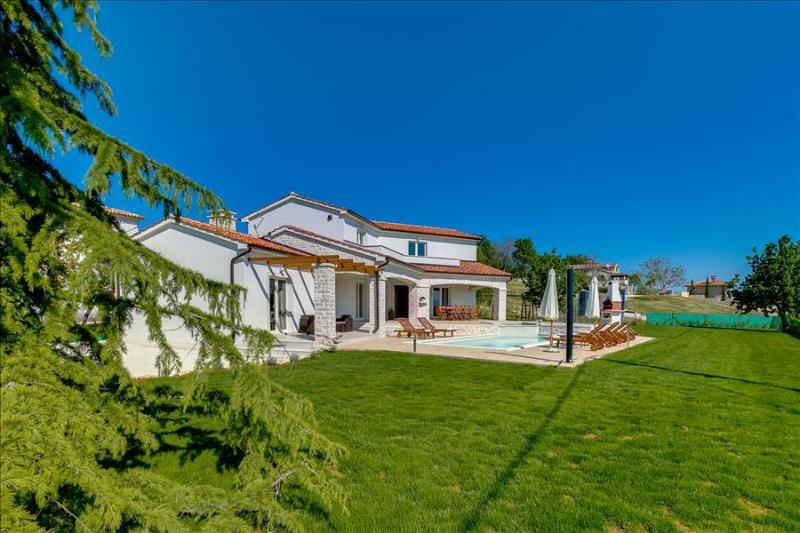 Villa with  a beautiful view over Mirna valley - Image 1 - Vizinada - rentals