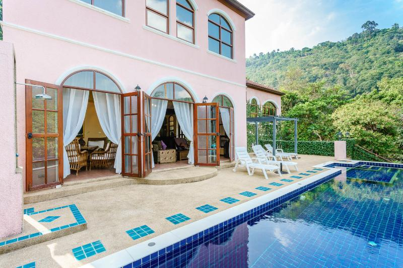 Outdoor extension of the living area with a 12 meter pool, built in Jacuzzi, and outdoor shower - ENCHANTED HILLS - private pool & stunning sunsets - Koh Samui - rentals