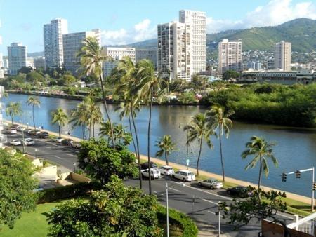 Island Colony Studio/KItchenette, Great location - Image 1 - Waikiki - rentals