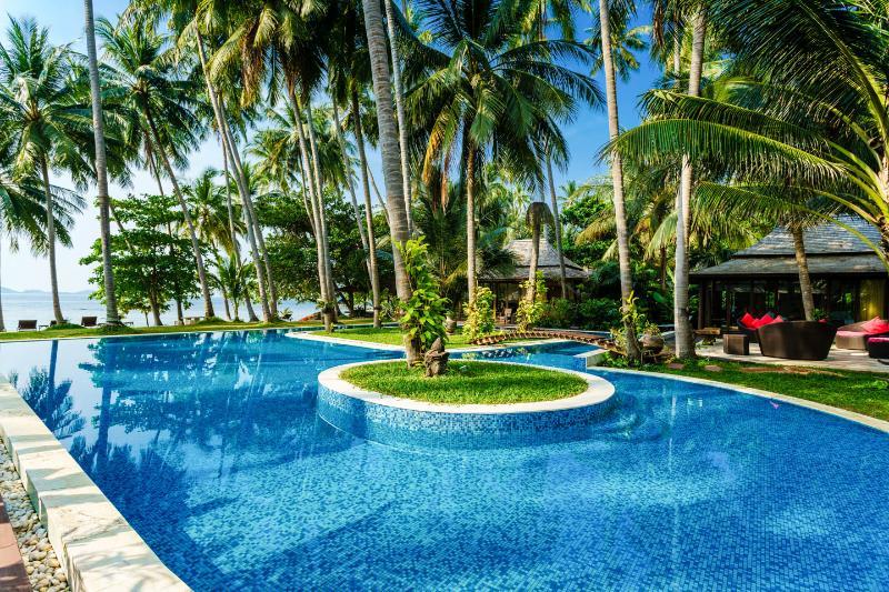 Villa Kalyana 20 room Beachfront Ko Samui Thailand - Image 1 - Taling Ngam - rentals