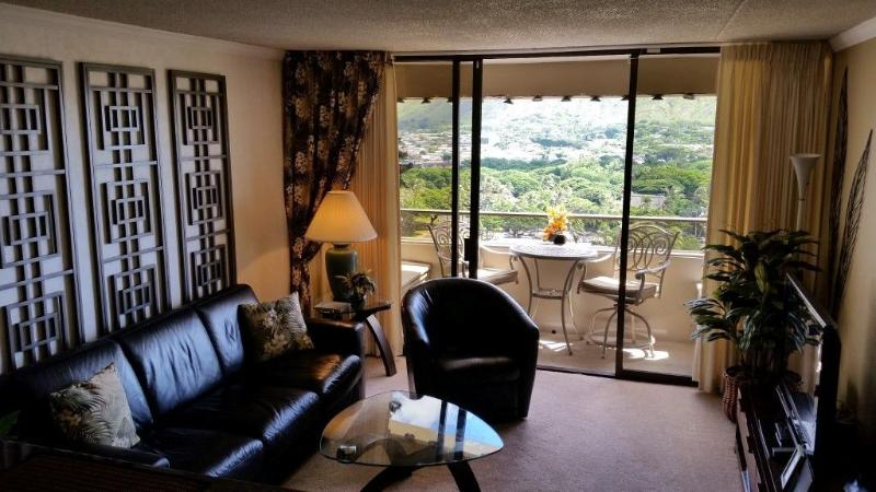 Iconic View, Quiet Side of Waikiki - Image 1 - Honolulu - rentals