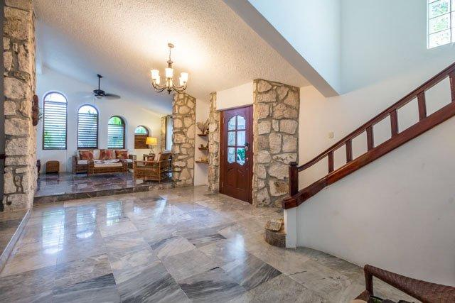Casa Ana - Vaulted Ceilings, Convenient Location - Image 1 - Cozumel - rentals
