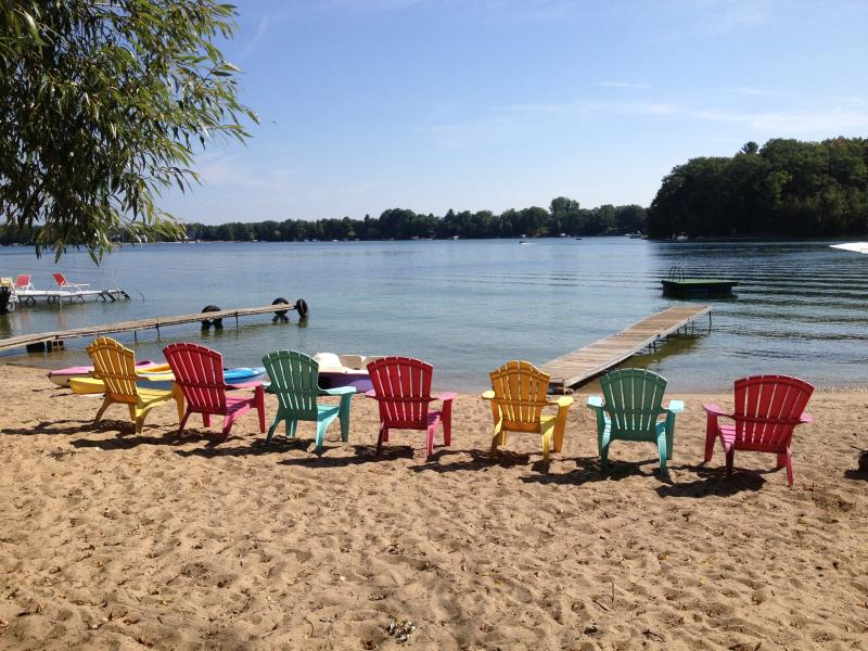 Cottage is located directly on sandy beach of an all sports lake. - Lakefront cottage, 10 minutes to Traverse City - Traverse City - rentals