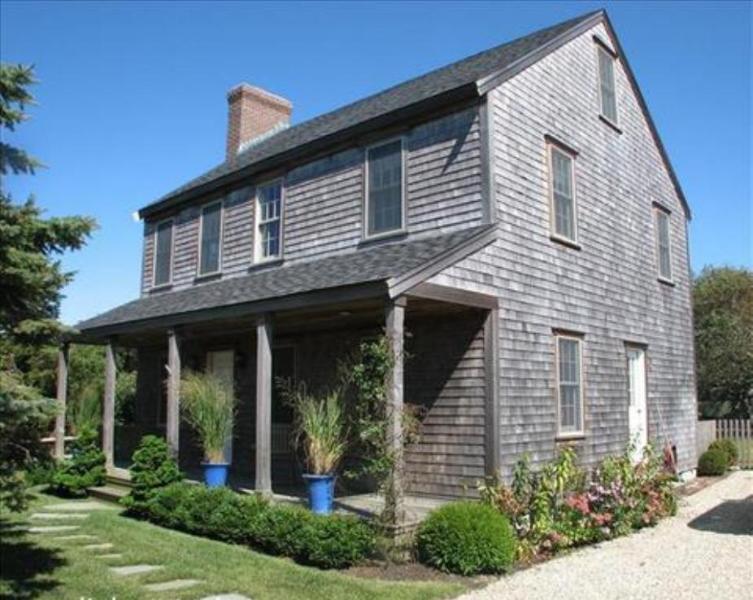 3 Bedroom 3 Bathroom Vacation Rental in Nantucket that sleeps 6 -(10138) - Image 1 - Nantucket - rentals
