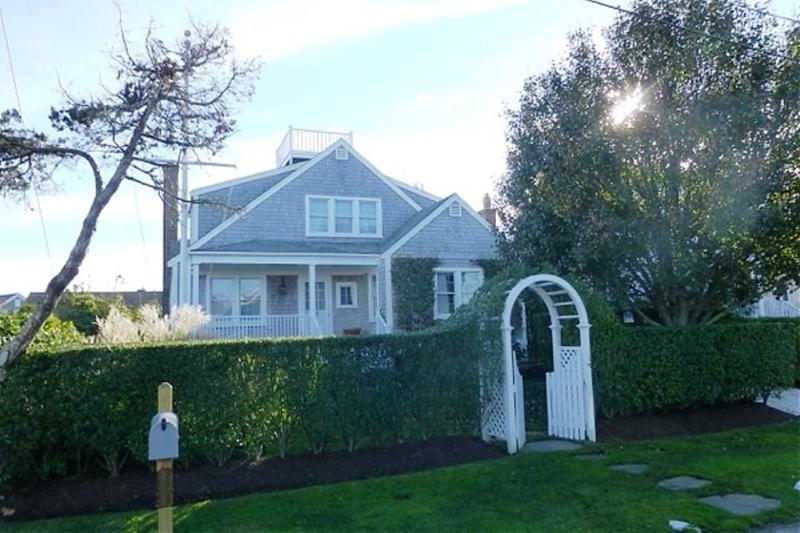 14 East Lincoln Avenue - Image 1 - Nantucket - rentals