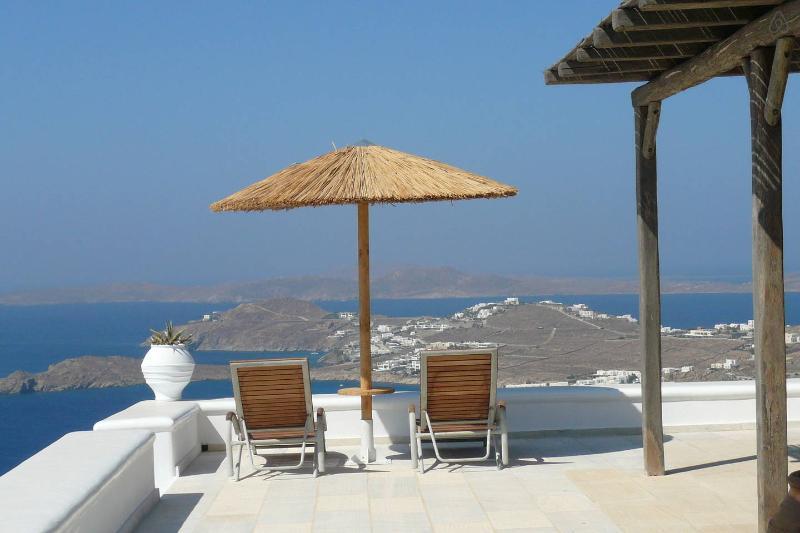 Amazing villa with perfect views - Image 1 - Psarou - rentals