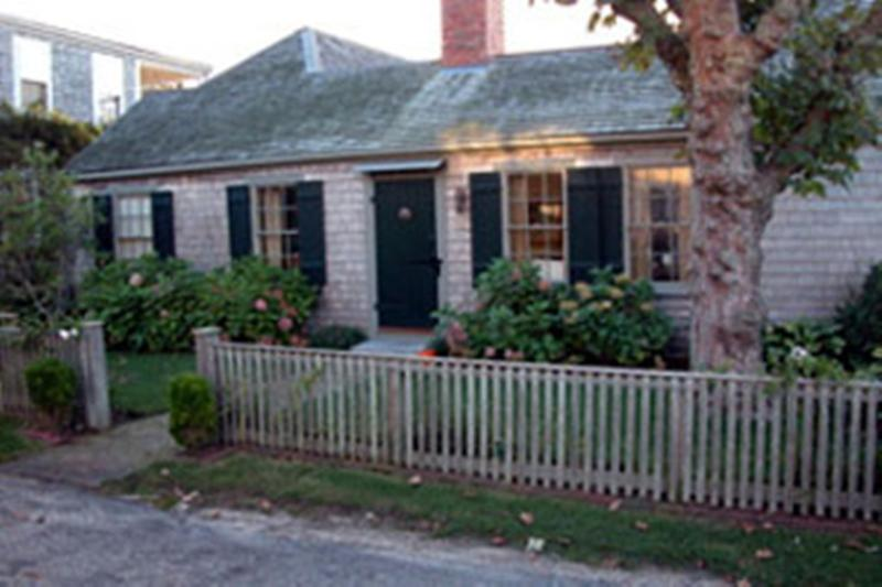 9 Broadway Street -Snug Harbor - Image 1 - Siasconset - rentals