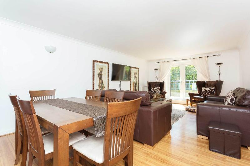 A smart and stylish apartment in Maida Vale. - Image 1 - London - rentals