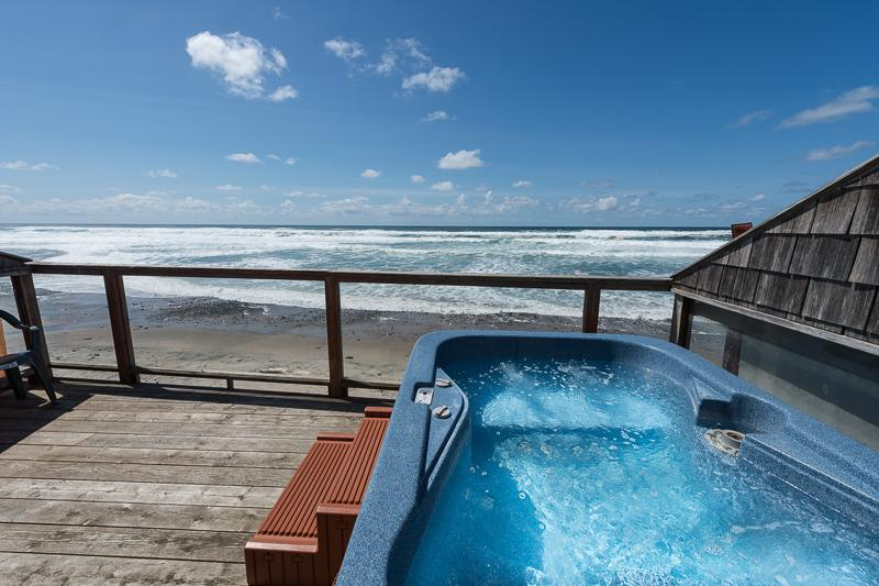 The Lookout - Beachside Retreats **FREE NIGHTS** - Image 1 - Lincoln City - rentals