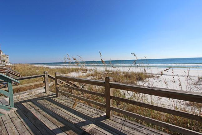 Large beach front deck with panoramic views. - Seawinds 3 - Miramar Beach - rentals