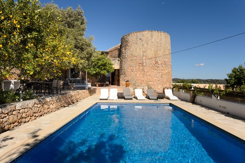 Villa Alesso - Image 1 - Sant Antoni de Portmany - rentals