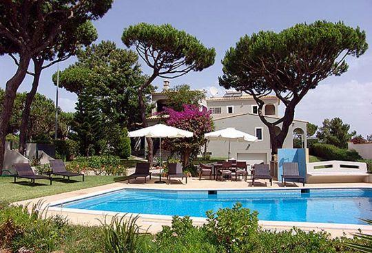 4 bedroom Villa in Vilamoura, Algarve, Portugal : ref 1717014 - Image 1 - Vilamoura - rentals