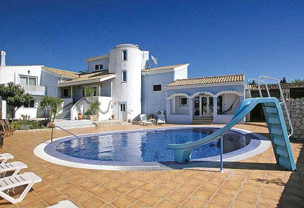 6 bedroom Villa in Carvoeiro, Algarve, Portugal : ref 1717038 - Image 1 - Carvoeiro - rentals