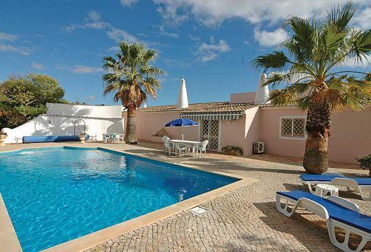 4 bedroom Villa in Quinta De Sao Pedro, Carvoeiro, Algarve, Portugal : ref - Image 1 - Estombar - rentals