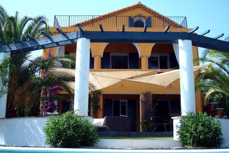 6 bedroom Villa in Bandol, Provence, France : ref 1718573 - Image 1 - Bandol - rentals