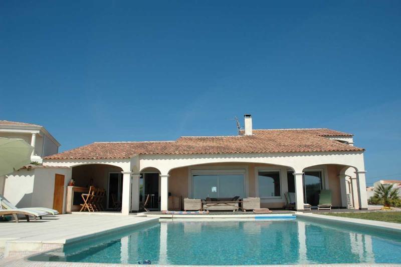 4 bedroom Villa in Cap D Agde, Languedoc, France : ref 2000095 - Image 1 - Cap-d'Agde - rentals