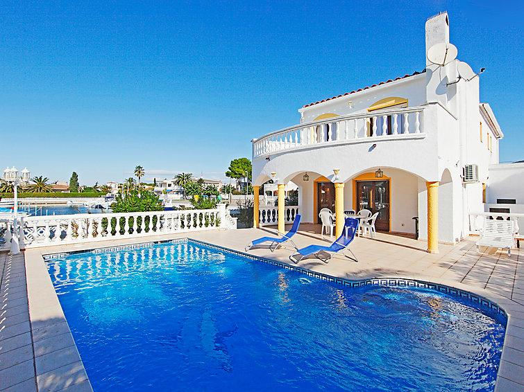 4 bedroom Villa in Empuriabrava, Costa Brava, Spain : ref 2007936 - Image 1 - Empuriabrava - rentals