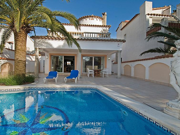 4 bedroom Villa in Empuriabrava, Costa Brava, Spain : ref 2007935 - Image 1 - Empuriabrava - rentals