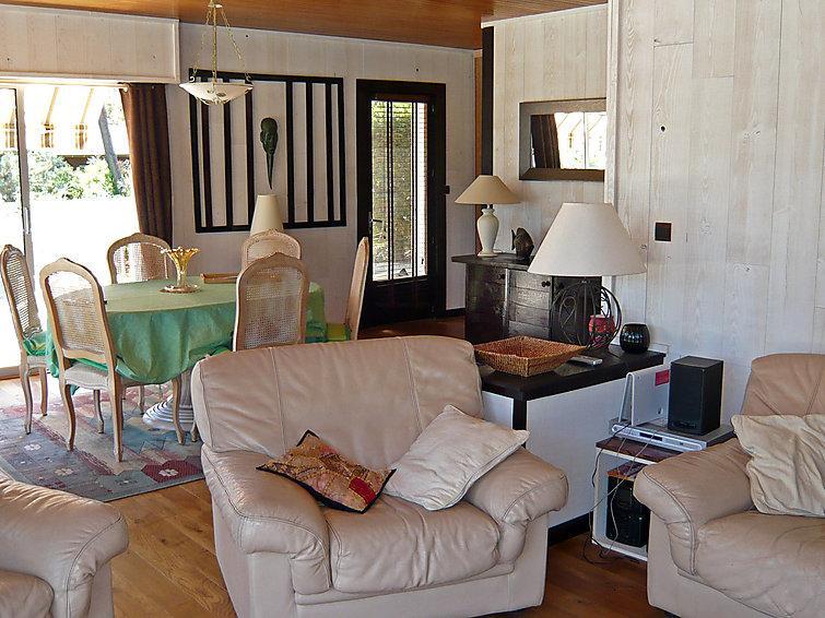 4 bedroom Villa in Lacanau   Lac, Gironde, France : ref 2008166 - Image 1 - Lacanau-Ocean - rentals