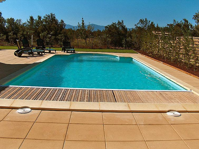 4 bedroom Villa in Canet Plage, Pyrenees Orientales, France : ref 2008216 - Image 1 - Canet-en-Roussillon - rentals