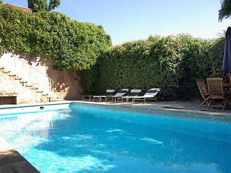 4 bedroom Villa in Roussillon, Provence, France : ref 2008249 - Image 1 - Roussillon - rentals