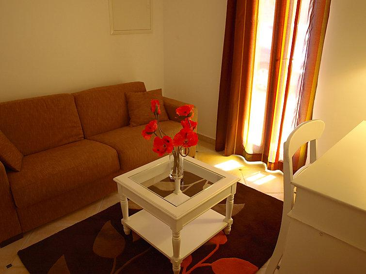4 bedroom Villa in Saint Saturnin d'Apt, Provence, France : ref 2008257 - Image 1 - Saint-Saturnin-les-Apt - rentals