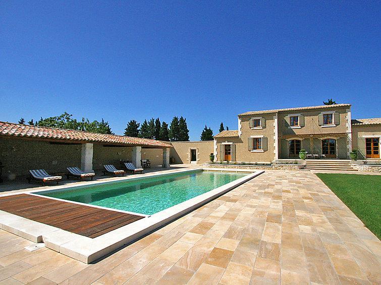 5 bedroom Villa in Chateaurenard, Provence, France : ref 2008265 - Image 1 - Chateaurenard - rentals
