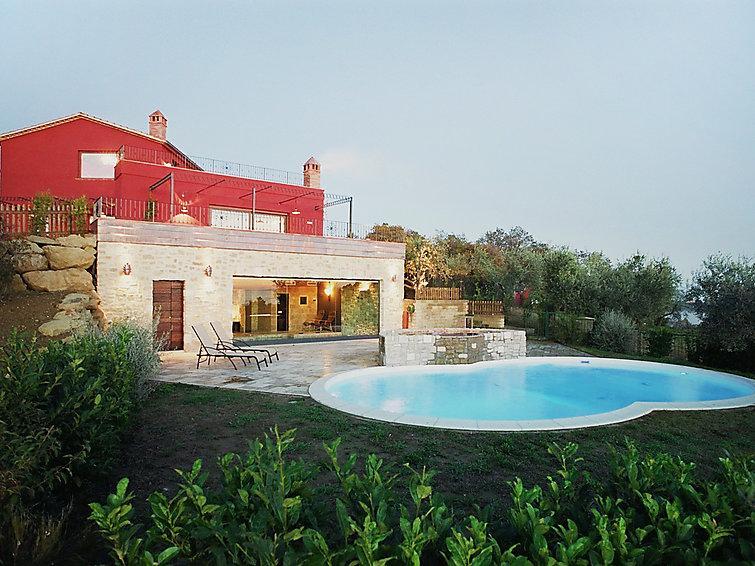 3 bedroom Villa in Passignano sul Trasimeno, Umbria, Italy : ref 2008744 - Image 1 - Castel Rigone - rentals