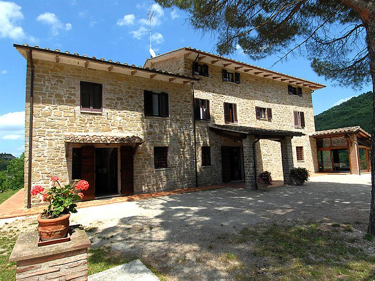 11 bedroom Villa in Valfabbrica, Umbria, Italy : ref 2008785 - Image 1 - Casacastalda - rentals