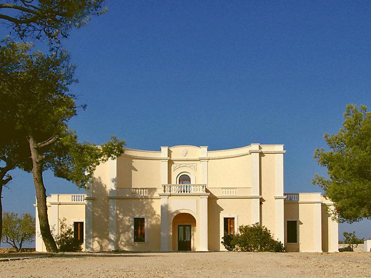 5 bedroom Villa in Gallipoli, Puglia, Italy : ref 2008861 - Image 1 - Villaggio Resta - rentals