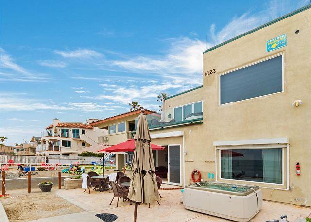 unit exterior view  - Beach Home with 8br's, 5.5ba's, rooftop decks, spas, Designer Decorated & A/C - Oceanside - rentals