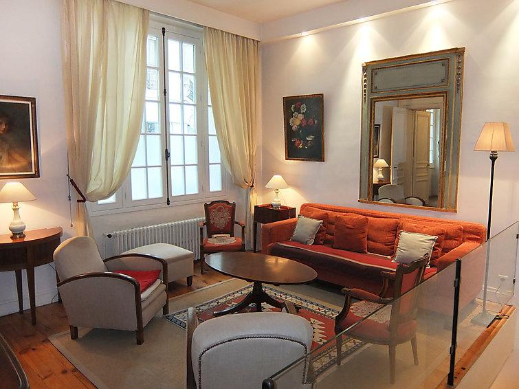 4 bedroom Apartment in Paris 17, Ile de France, France : ref 2011564 - Image 1 - Levallois-Perret - rentals