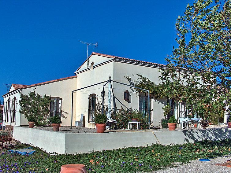 3 bedroom Villa in Saint Gilles, Gard Lozere, France : ref 2012205 - Image 1 - Saint-Gilles - rentals